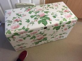 Excellent Solid Oak Linen Box Floral Covered Blanket Antique Lovely Condition Only £40