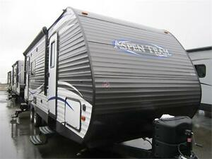 2017 27 FT DUTCHMEN RV ASPEN TRAIL 2390RKSW TRAVEL TRAILER