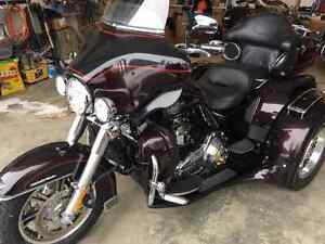 Harley Davidson Tri Glide Trike Ultra Classic with $8000 Extras