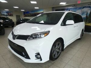 2019 Toyota Sienna SE | Technology Package