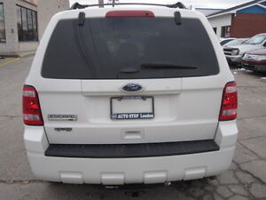 IMMACULATE !!! 2012 FORD ESCAPE London Ontario image 6