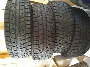 Toyo Observe GSI-5 Snow tires 275/65R18