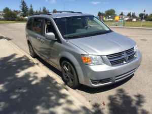 2010 Dodge Grand Caravan SXT 4.0L Minivan,Van drives well FAMILY
