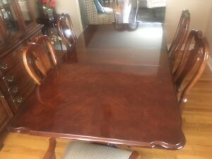 Make Offer: Dining Set, Table, 2 leaves, 6 Chairs & Buffet/Hutch