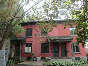 Charming 3 BDR Detached Home in Downtown Ottawa - $1,775/month