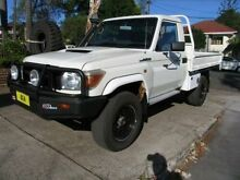 2011 Toyota Landcruiser VDJ79R 09 Upgrade GX (4x4) White 5 Speed Manual Cab Chassis Kingsgrove Canterbury Area Preview