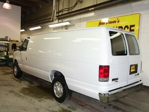 2014 Ford E-250 Extended Cargo Van Peterborough Peterborough Area image 4