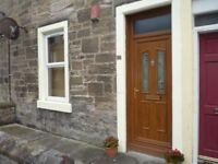 One bedroom unfurnished ground floor flat close to town centre. Central location.