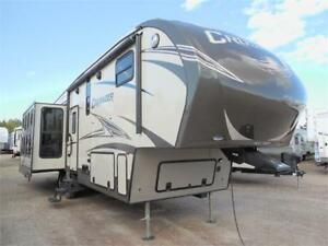 USED 2015 Crusader 321RES  Fifth Wheel