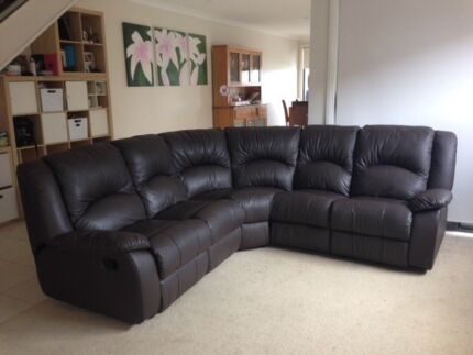 6 seater corner modular brown couch with 2 recliner seat
