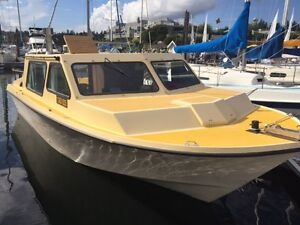 26' Custom Craft 200HP Volvo Penta diesel - trailer included