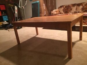 Solid pine wood table