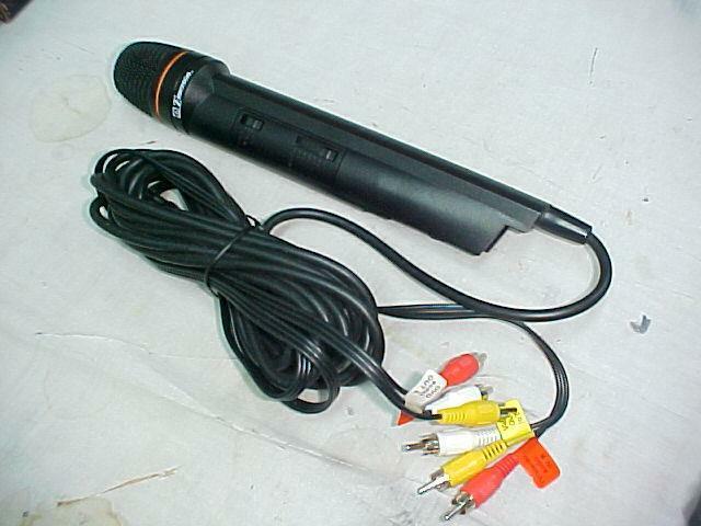 Emerson Echo Microphone MM205 Plug N Sing Karaoke Handheld DVD Microphone NEW
