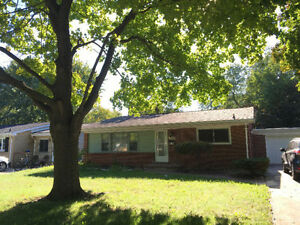 South Windsor single house w/ 3+1 bdrm and 2 bthrm