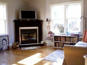 2 bdrm + basement den for rent North End Canatara Park