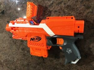 Modded Nerf Stryfe with Voltmeter for 2S Battery