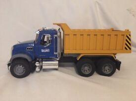Bruder MACK Granite Tip Up Truck
