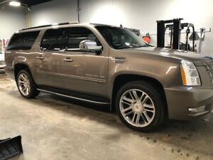 2014 Cadillac Escalade ESV - with extended warranty plan