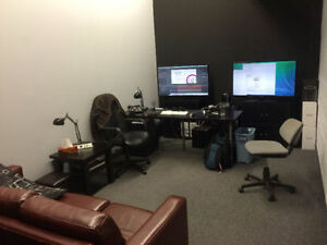 3000 Square foot office with warehouse and loading dock