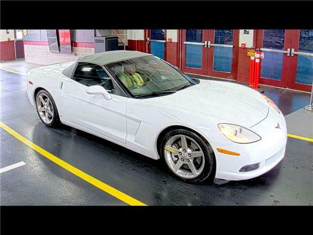 2006 White Chevrolet Corvette  3LT   C6 Corvette Photo 1