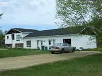 Bâtisse à revenus de 4 appartements, rue Arisma à Haut-Sheila