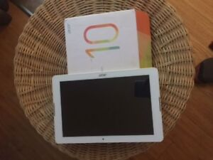 "Acer Iconia One 10.1"" 16GB tablette Android 6.0 like new"
