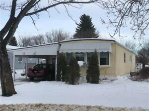 Nice home for rent in Dauphin, MB (includes water)