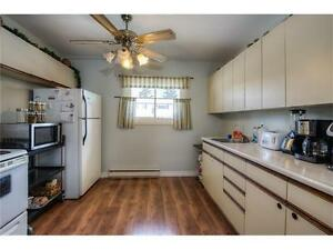 3 Bedroom Townhouse Available to rent April 15