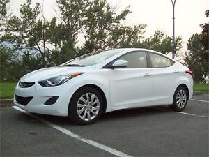 HYUNDAI ELANTRA *FACTORY WARRANTY, ONE OWNER*