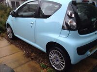 """Citroen C1 with chequered roof & wing mirrors 15""""alloy wheels low mileage reduced to sell"""