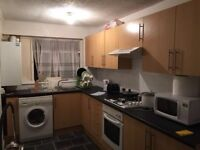 Double Room for single person in Newbury Park Ilford - Free Wifi Car Park