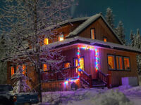 Beautiful home on 2.7 acres on Klondike River 25 km from Dawson