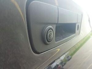 2016 Ram 1500 Laramie Limited 4x4 HEMI V8 LEATHER HEATED SEATS N London Ontario image 9