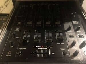 DENON DNX1100 WITH ODDSSEY CASE!!1