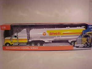 Shell Oil Gas Tanker Semi Truck Kenworth W900 Die-cast 1:32 Automaxx 22 inches