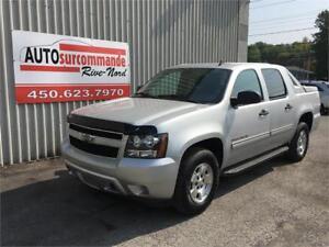 2011 Chevrolet Avalanche LS -- GARANTIE 1 AN / 15 000 KMS --