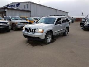 2009 Jeep Grand Cherokee Laredo 4x4 *WELL MAINTAINED*