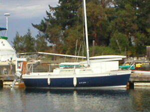 1974 Aquarius A23 sailboat Project.Minor items.