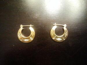 Solid 14K yellow Gold hoop Earrings