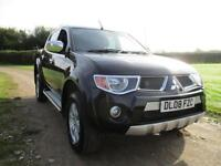 Mitsubishi L200 2.5DI-D 4WD Double Cab Pickup auto Animal