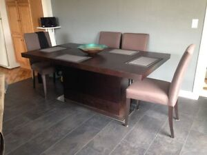 table and buffet for sale great condition