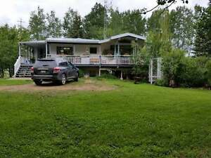 Beautiful Acreage On 28.7 Acres - Dawson Creek