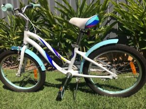"""Girls 20"""" Giant LIV bike in excellent condition"""