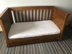 Lovely cot/junior bed in good condition - collection Acocks Green