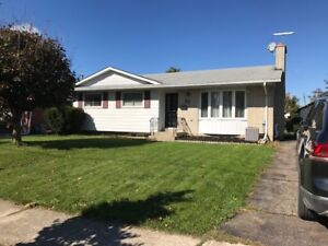 ST CATHARINES - BEAUTIFUL 3 BEDROOM NORTH END UPPER