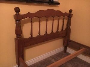 Twin Size Bed Solid wood