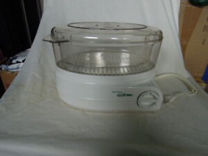 Fryer, Poacher, Steamers/Rice Cooker for sale 4 items