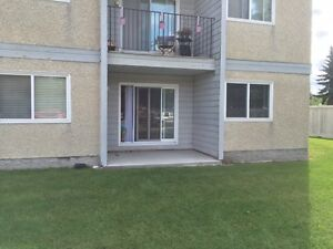 2 BDRM in suite Laundry west end Inc :Heat&water&stall parking
