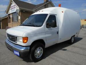2006 FORD E350 Bubble Cargo Van 5.4L Certified ONLY 152,000KMs