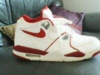 NEW 2 PAIRS NIKE TRAINERS SIZE 7.
